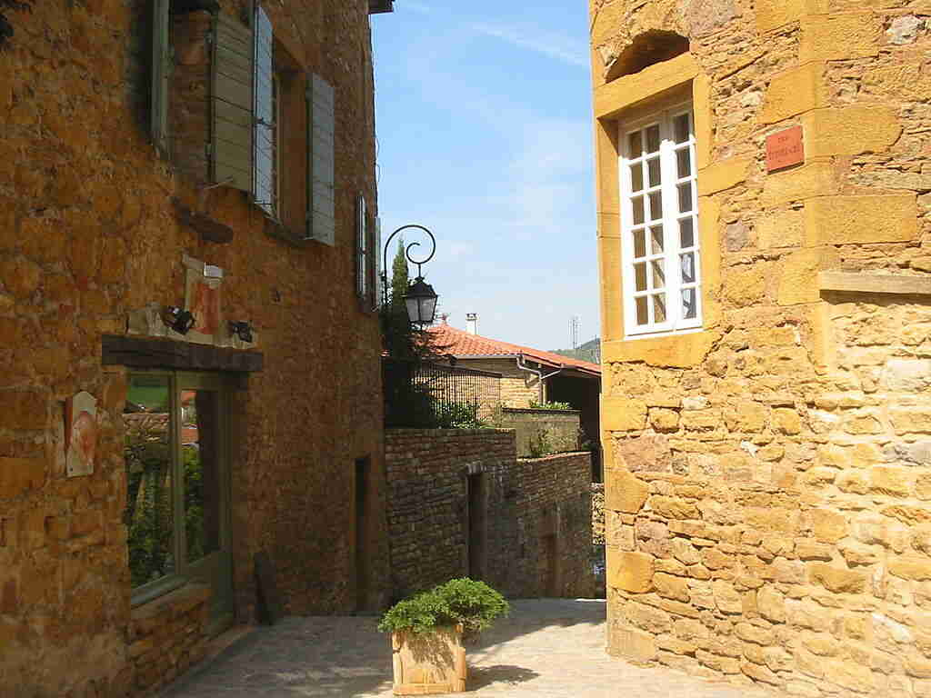 Oingt - Village de pierre dorées dans le Beaujolais